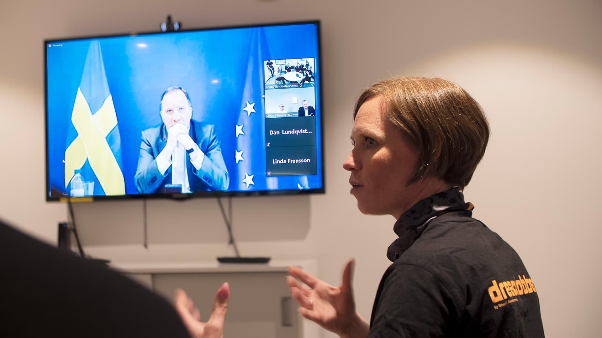 Linda Fransson från Gnosjö Automatsvarvning möter Stefan Löfven